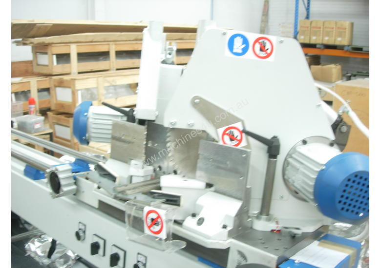 DOUBLE MITRE SAW FOR CUTTING GLAZING  BEADS