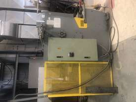 GUILLOTINE HYDRAULIC  - picture1' - Click to enlarge