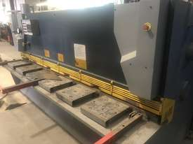 GUILLOTINE HYDRAULIC  - picture3' - Click to enlarge