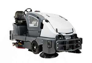Nilfisk Advance CS7010 Diesel Hybrid Rider Sweeper Scrubber