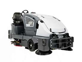 Nilfisk Advance CS7010 Diesel Hybrid Rider Sweeper Scrubber - picture0' - Click to enlarge