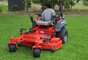 Gravely Pro-Turn 48 Zero Turn Mower with MULCH Kit - Nearly NEW