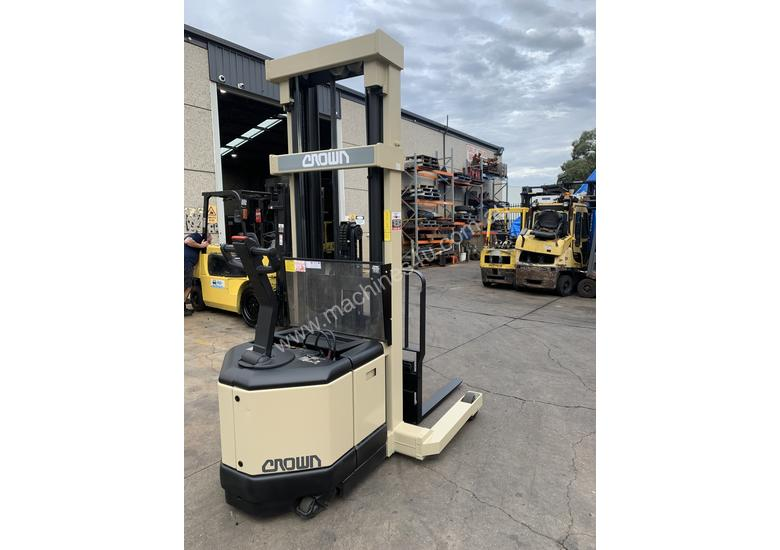 Crown Walkie Reach - 6 mtrs lift height - Great battery - Buy or Rent