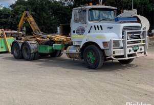 Ford 1995   Louisville L9000