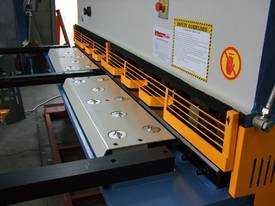 SM-SBHS3206 3200mm X 6.5mm Heavy Duty Model. - picture9' - Click to enlarge