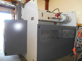 YSD HPS CNC 3050mm  X 165 TON SYNCRO 5 AXIS - picture19' - Click to enlarge