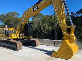 2019 CATERPILLAR EXCAVATOR - AS NEW - picture0' - Click to enlarge