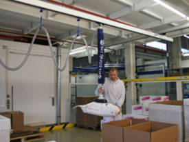 Jumbo Flex picks up almost anything up to 35kg. - picture3' - Click to enlarge