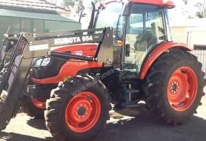 KUBOTA M9540 FREE LOADER 4IN1  3 HOURS USE ONLY
