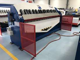 CMT 2500MM LENGTH | 4MM CAPACITY | HYDRAULIC | CNC TOUCH SCREEN CONTROLLER | PAN BRAKE - picture0' - Click to enlarge