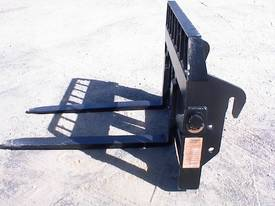 Terex Lift quick hitch forks - picture0' - Click to enlarge
