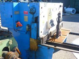 Acra � Hydraulic Guillotine - picture0' - Click to enlarge