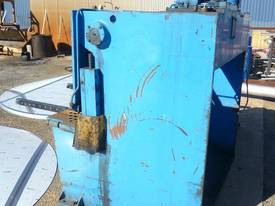 Acra � Hydraulic Guillotine - picture2' - Click to enlarge