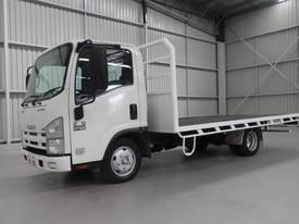 2010 Isuzu NLR 200 Medium Tray