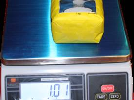 Bench Scale: Waterproof IP65 Up to 30kg - Pelican  - picture8' - Click to enlarge