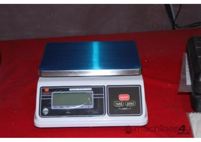 Bench Scale: Waterproof IP65 Up to 30kg - Pelican