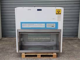 Fume Cabinet (Biologicial Safety)