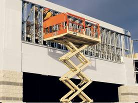260MRT Engine Powered Scissor Lifts - picture20' - Click to enlarge