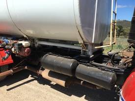 COMMER 1968 BOGIE DRIVE - PETROLEUM/WATER TANKER - picture2' - Click to enlarge