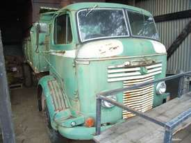 COMMER KNOCKER 1957 - ROOTES ENGINE No 11200E TS3 OE2 - picture0' - Click to enlarge