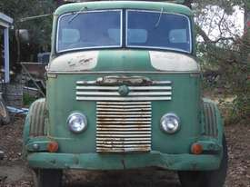COMMER KNOCKER 1957 - ROOTES ENGINE No 11200E TS3 OE2 - picture1' - Click to enlarge