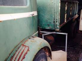 COMMER KNOCKER 1957 - ROOTES ENGINE No 11200E TS3 OE2 - picture2' - Click to enlarge