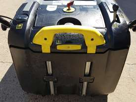 Karcher KM 75-40 W Walk Behind Sweeper - picture3' - Click to enlarge