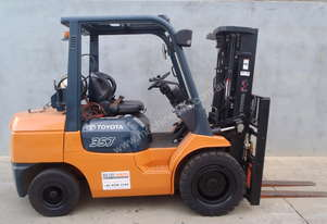 Toyota Container 3.5t Forklift with Fork Positioners