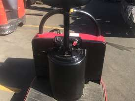 Rent Me - Electric Pallet Jack - capacity 2720 kgs - $75.00 per week plus gst - picture4' - Click to enlarge