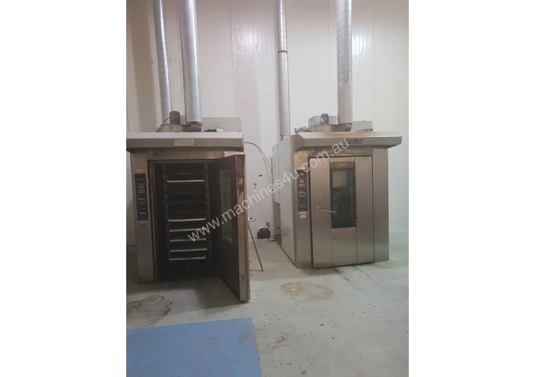 Rotary stone oven