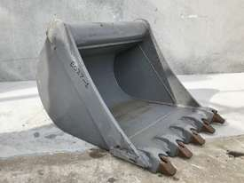 UNUSED 600MM DIGGING BUCKET TO SUIT 2-3T EXCAVATOR E027 - picture1' - Click to enlarge