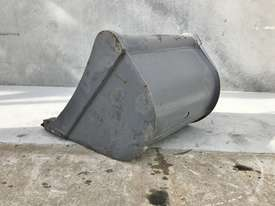 UNUSED 600MM DIGGING BUCKET TO SUIT 2-3T EXCAVATOR E027 - picture3' - Click to enlarge