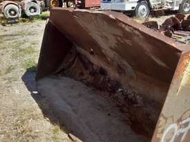 Custom 2450mm batter bucket ex IHC Hough loader Bucket-GP Attachments - picture0' - Click to enlarge