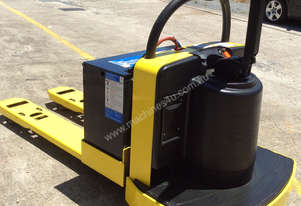 PALLET MOVER  ELECTRIC RIDE ON