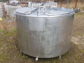 STAINLESS STEEL TANK, MILK VAT 1550 LT - picture1' - Click to enlarge