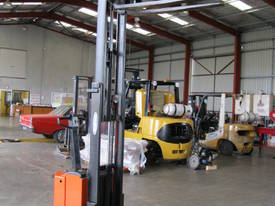 Raymond BT Forklift RSX 20/25 - picture2' - Click to enlarge