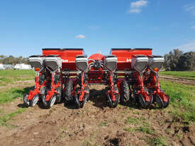 2020 IRTEM SIX ROW PNEUMATIC PRECISION PLANTER - picture3' - Click to enlarge