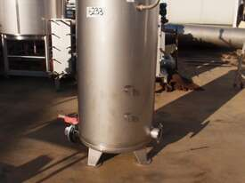Stainless Steel Storage Tank (Vertical), Capacity: 500Lt - picture0' - Click to enlarge