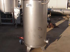 Stainless Steel Storage Tank (Vertical), Capacity: 500Lt - picture2' - Click to enlarge