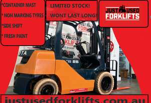 TOYOTA 8FG25 DELUXE 30343 2.5 TON 2500 KG CAPACITY LPG GAS FORKLIFT 4300 MM CONTAINER ENTRY