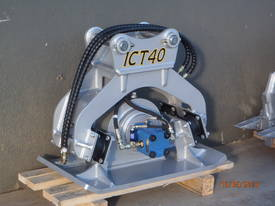 FRC20 COMPACTION PLATE FOR 5-7T EXCAVATOR - picture0' - Click to enlarge